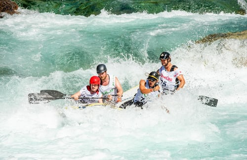Rafting na Soči prava adrenalinska osvežitev